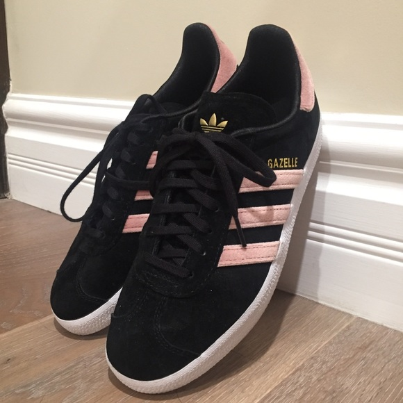 Adidas gazelle Black suede with pink velvet